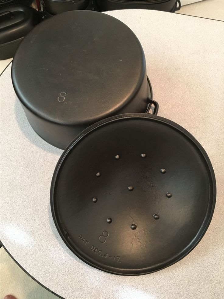 Griswold cast iron skillet. Identify date your skillet using logos