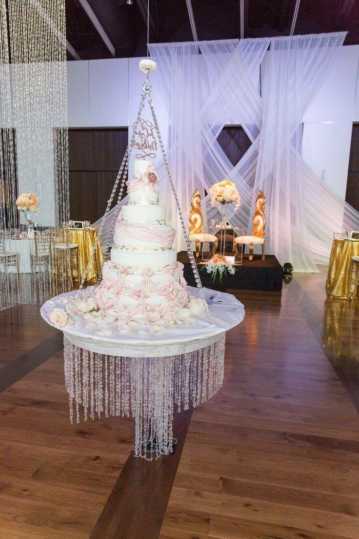 Cake drop at #CMHOF  #nashvilleweddings #angelaproffitt #vividexperiences
