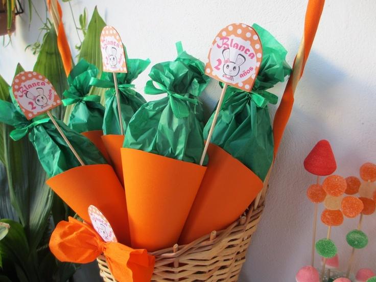 Cartuchos de chuches en forma de zanahoria