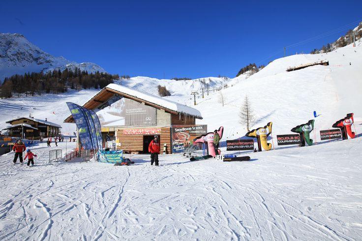 """Il nostro ufficio in Loc. Plan Checrouit sulla ski area Courmayeur Mont Blanc si trova alla partenza della seggiovia 2 posti """"Maison Vieille"""" mailto: info@courmayeur-ski.com  +39 0165 848141 #SkiCourmayeur #ScuolaSciCourmayeur #ski #snowboard #sci #sciare #sport #freeride #freestyle #skitour #corsisci #corsisnowboard #lezioniprivate #minigruppisci #minigruppisnowboard #collettivesci #collettivesnowboard #skisafari #courmayeur #montblanc #montebianco #alpi #valledaosta #italy #travel"""