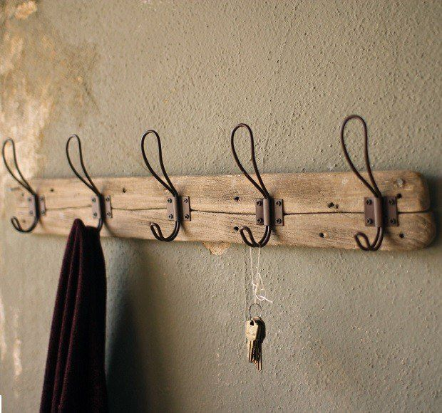 Reclaimed Wood Vintage Style Coat Rack