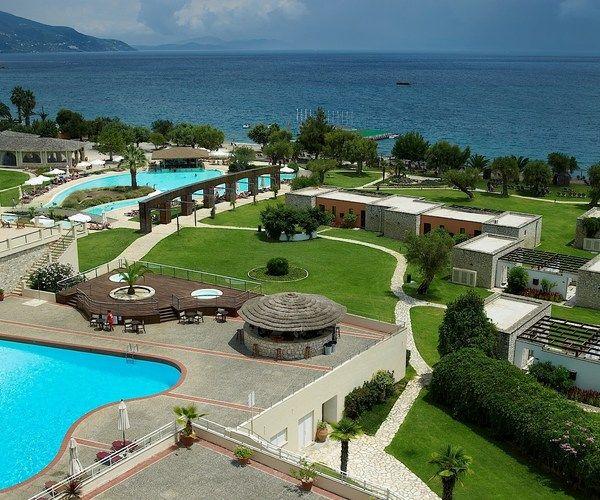 Hotel Corfu Chandris 4* nalazi se u hotelskom kompleksu Dassia, 10 min. vožnje hotelskim autobusima od grada Krfa. #travelboutique #Corfu #Krf #Greece #putovanje #letovanje #odmor