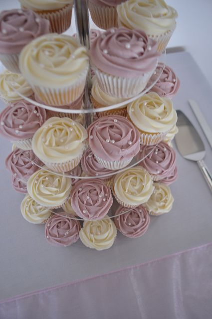 Dusty Rose And Cream Wedding Cupcakes By Cupcake Pion Kate Jewell Via Flickr