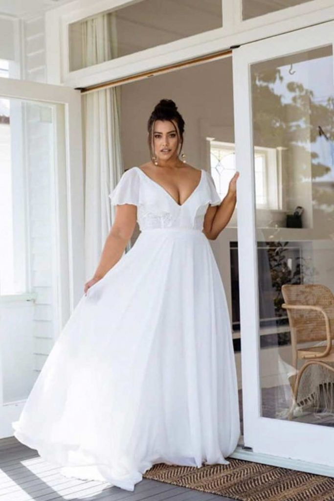 Plus Size Wedding Dresses For The Most Beautiful And Curvy Brides In 2020 Plus Wedding Dresses Wedding Dresses Plus Size Curvy Bride