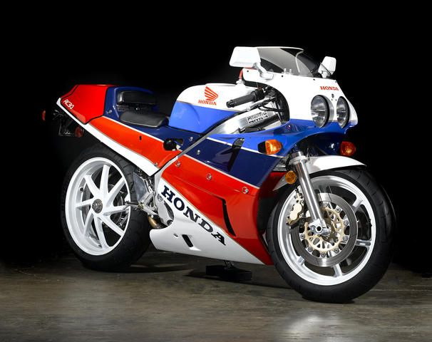 If there was an old-school bike I'd buy, a Honda RC30 would be high on the list