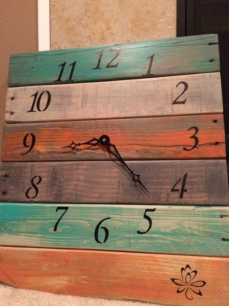 25 best ideas about pallet clock on pinterest diy clock for Bathroom clock ideas