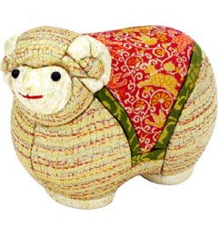 限定50個/2015年 干支「未」木目込み人形/値段: 12,960 円 http://www.tatsumura.co.jp/shop/special/2015-sheep/kimekomi/sheep-kimekomi.html #Japan #Craft #Tatsumuratextile #Design #Kyoto