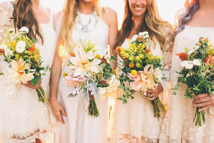 Bold Bouquets / Ron & Hannah / Real Wedding / Photography: Amanda Christine / View full post on The LANE