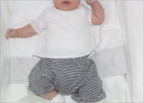 Pour les petits... maglia in fresco jersey di lino e morbidissimi shorts in jersey di cotone firmati Cucù Lab  Alessandra Saccani http://www.cocochic.it/it/bambino/735-maglia-in-jersey-di-lino-bianco.html http://www.cocochic.it/it/baby/734-shorts-baby-millerighe.html