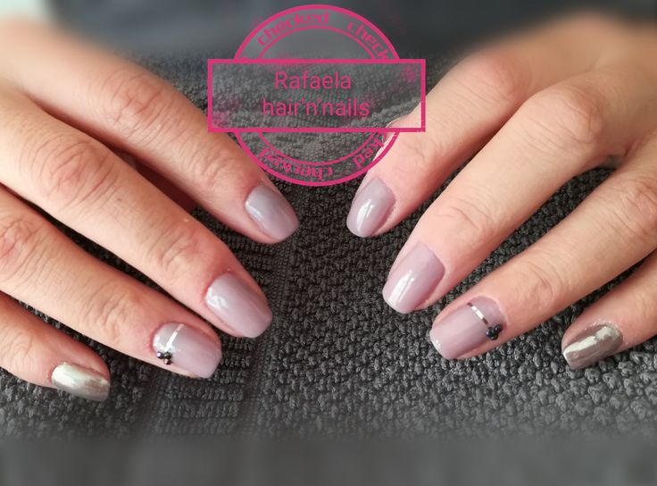 Grey nails, elephant shade, chrome mirror powder