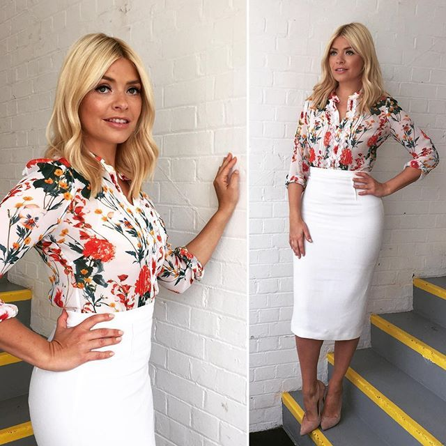 Monday Monday and the freckles are out!!!! Skirt by @roland_mouret and shirt by @karen_millen  lipstick by @maccosmetics shade- faux xxx