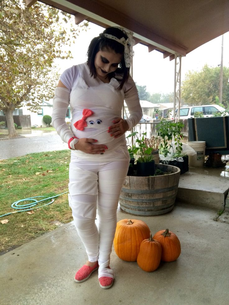 DIY pregnant mummy costume  great for Halloween