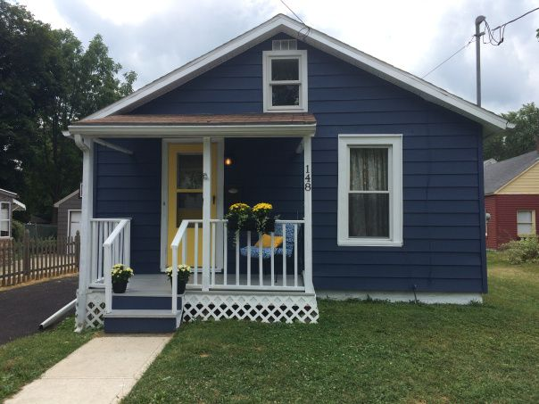 Cottage With Indigo Batik By Sherwin Williams Exterior Paint Paint Color Pinterest