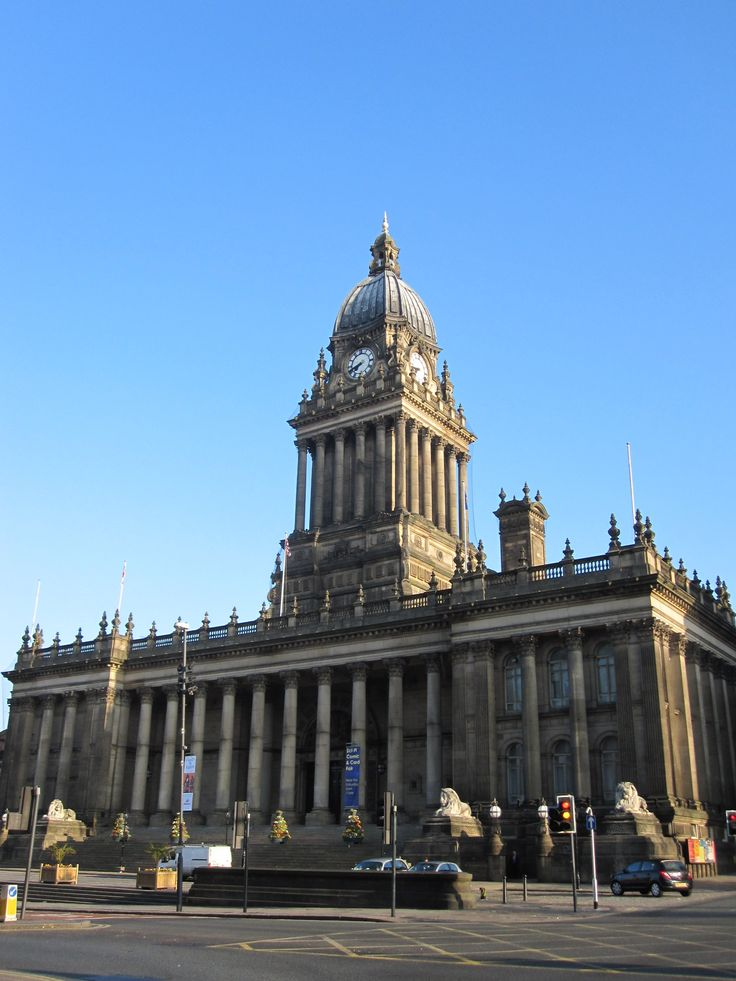 Town Hall - Leeds - Pretty impressive building as it happens, the organ in the main hall is huge