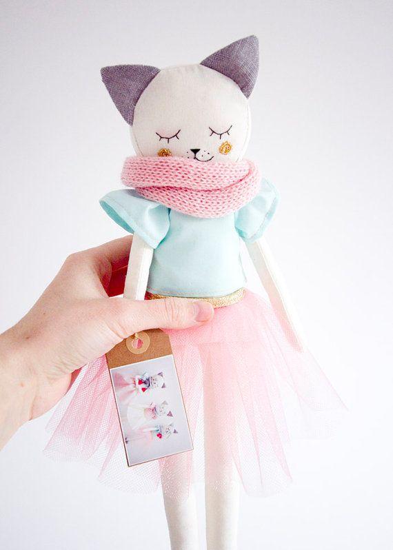 Kitty juguetes hechos a mano por AGoodStart en Etsy