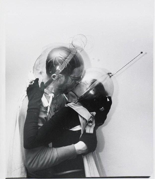boy meets girl - from outer space: The Kisses, Boys Meeting Girls, Spaces Suits, White Spaces, Engagement Photos, Spaces Age, Photography, Halloween Ideas, Outer Spaces