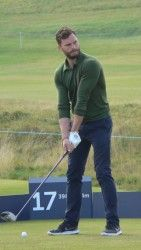 Jamie Dornan Is kinda perfect. New/Old Fan Pictures of Jamie at Alfred Dunhill Links Championship (October 3, 2015)