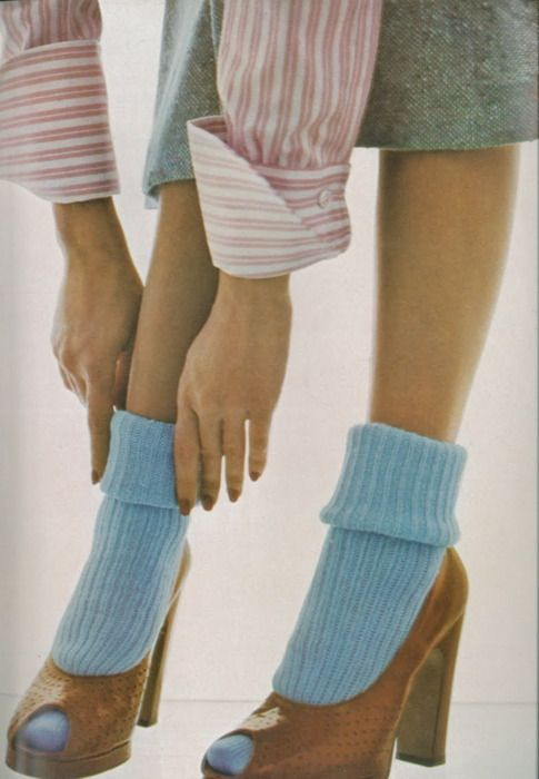 vogue uk february 1973 shoes 70s tan platform peeptoe heels retro blue socks 40s style socks with heels color photo print ad model
