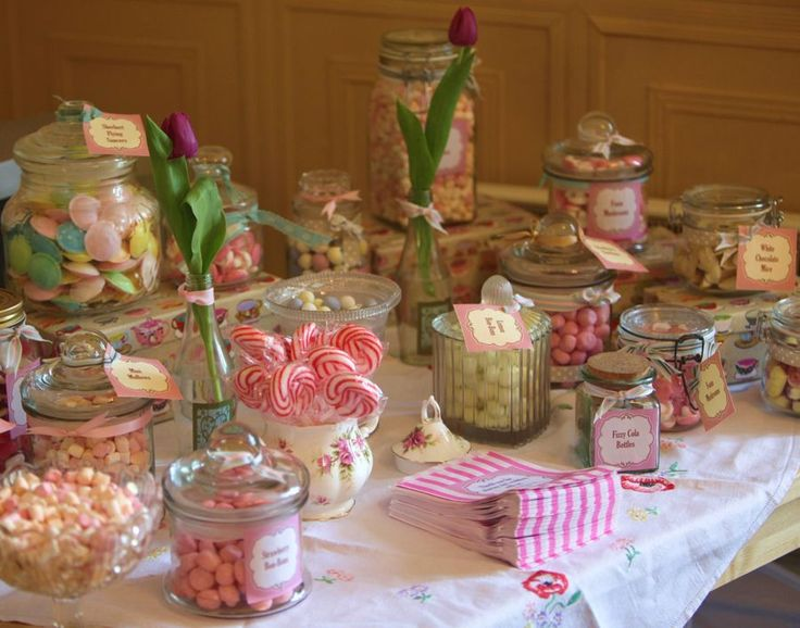 Sweet love - our pick n mix table