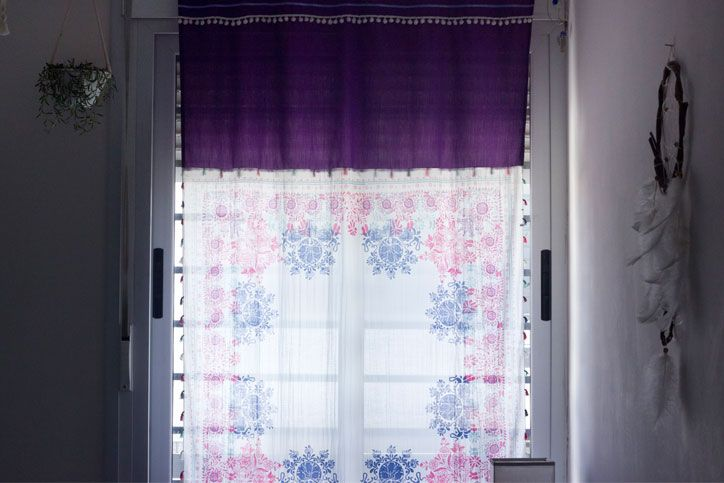 Purple, pink and blue curtains/ Cortinas moradas, rosas y azules