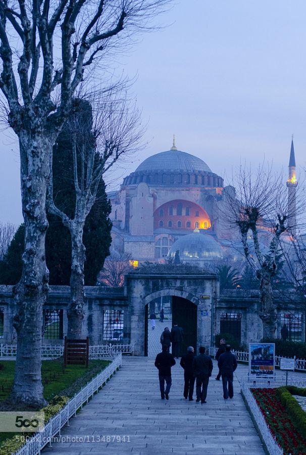 plukz:  Early morning in Istanbul 3 by tarikjesenkovic