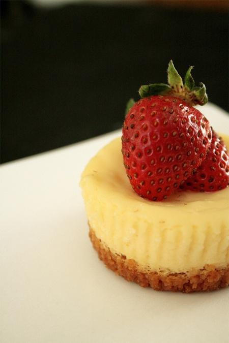 Mini strawberry cheesecake | Christmas | Pinterest