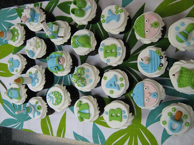 Baby Shower Cupcake Flavor Ideas : 33 best Cupcake Galore images on Pinterest Cupcake ideas ...