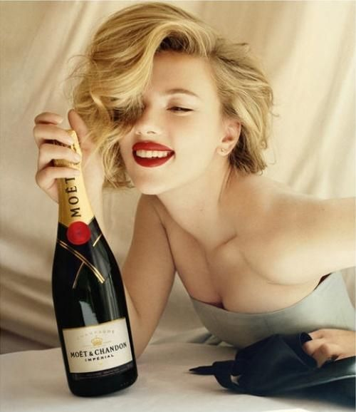 Love Scarlett Johansson's hair and makeup in this Moet & Chandon ad