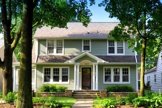 Dutch colonial with raised beds.  Cute!
