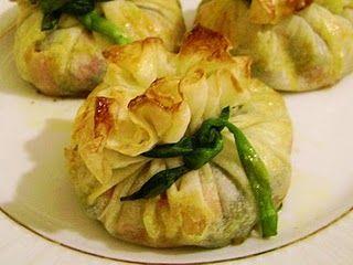 Bohca Boregi (Bundle Pastry) Recipe  http://www.yemek-tarifi.info/english/recipe.php?recipeid=449