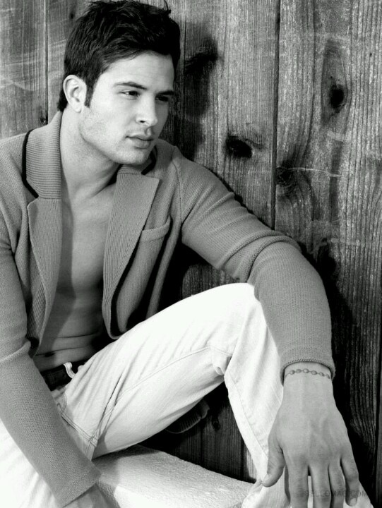"Listening to ""Cody Longo SingerActor"" by On Air with Douglas on #BlogTalkRadio  http://www.blogtalkradio.com/onairwithdouglas/2012/10/15/cody-longo-singeractor"