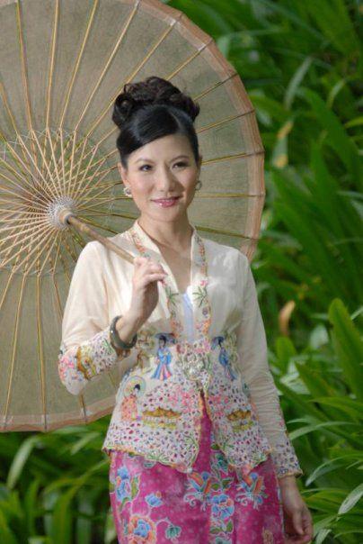 Nonya kebaya, the dress of Peranakan women in Singapore.