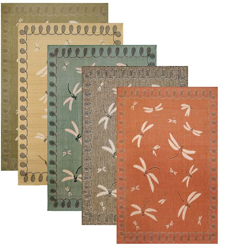 Indoor/Outdoor Polypropylene Rug With Dragonfly And Looped Border Design.  Perfect In High