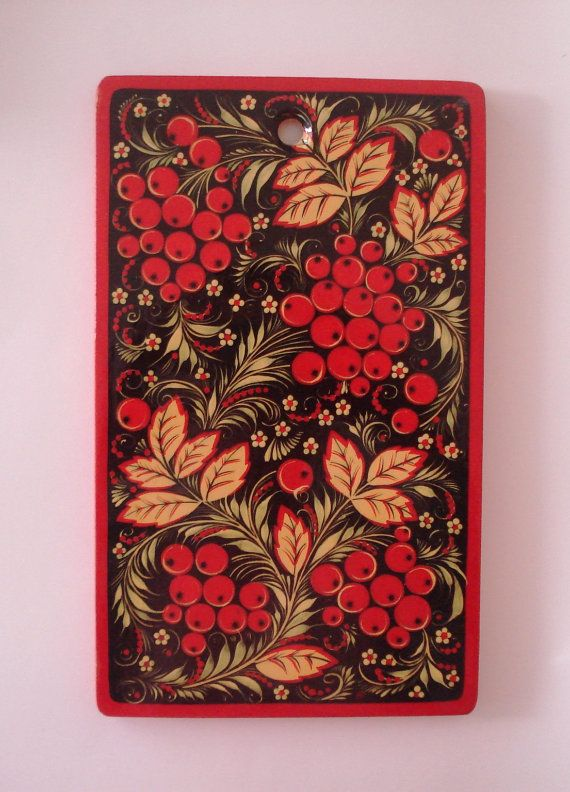 Khokhloma Style Painting on Kitchen Decorative Wooden Cutting