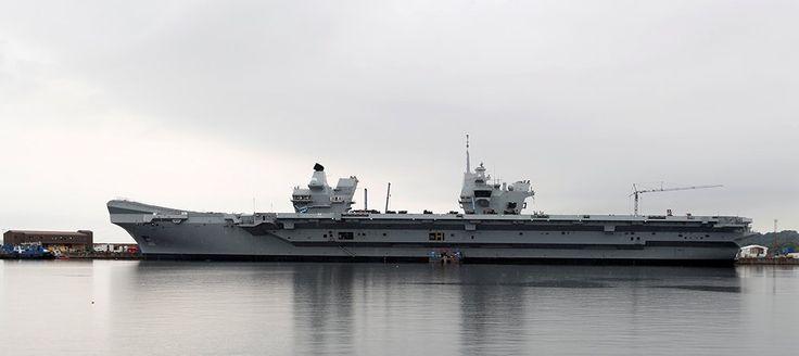 Видео: Новый авианосец Великобритании вышел в Северное море — Российская газета