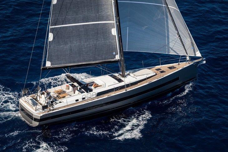 European Yacht of the Year 2017 : les 5 voiliers de la catégorie Luxury Cruiser