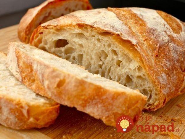 Fantastický domáci chlebík s chrumkavou kôrkou a mäkučkou striedkou môžete pripraviť len zo 4 ingrediencií.