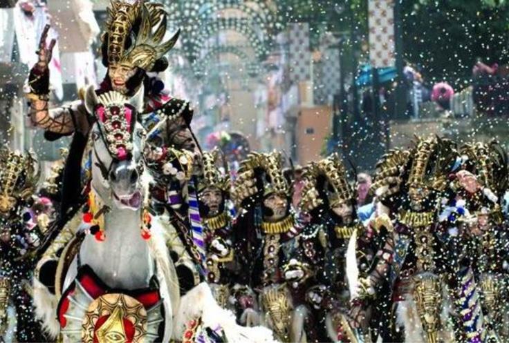 Escuadra de la filà Andaluces. Fiestas de Moros y Cristianos #Alcoy #Alcoi #MorosyCristianos