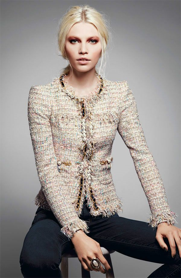 chanel beige tweed blazer