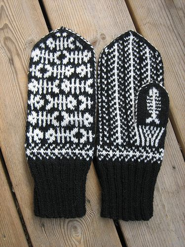 YARN JUNGLE: Mittens and gloves #mittenS:-)