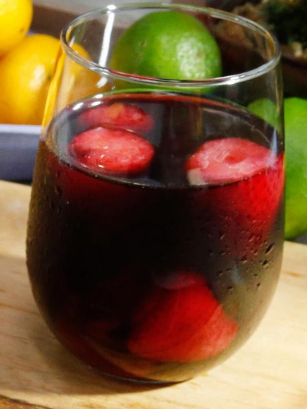 Get Food Network's Jug Red Wine Sangria  they used the carlo rossi jug