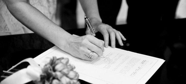 Tínhamos 3 opções: Casamento civil no cartório com cerimônia, casamento civil sem cerimônia e casamento religioso com efeito civil, a opção que escolhemos