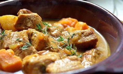 Voici une version light pour rejoindre l'esprit de notre régime, la Blanquette de veau Weight watchers, un plat traditionnel français à base de viande.