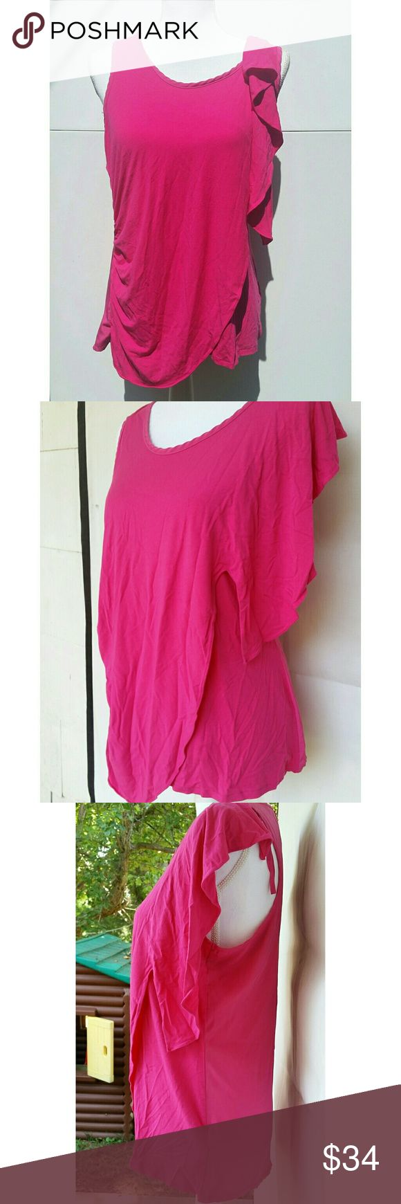 Vince Camuto Hot Pink Top Zipback Scrunch Side Vince Camuto Hot Pink Top Zipback Scrunch Side. Great condition! Hot Pink in color. Size medium. Vince Camuto Tops Blouses
