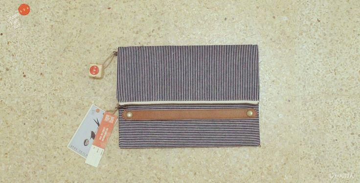 Hiko - Hikory stripe simple grab handle Clutch
