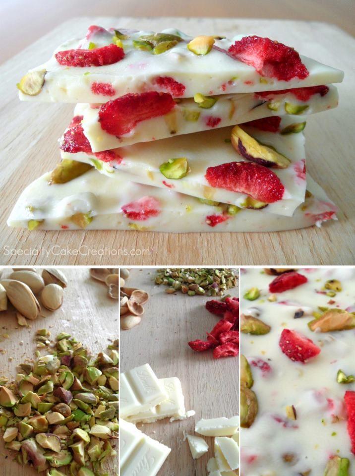 Die weiße Schokolade im Wasserbad schmelzen lassen, getrocknete Erdbeeren und Pistazien dazu geben und auf einem Backpapier gießen. Im Kühlschrank abkühlen lassen und in Stücke brechen. Verschenken oder eben genießen :)
