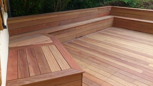 faire un banc en coffrage avec lames de terrasse bois exotique espace jardin pinterest. Black Bedroom Furniture Sets. Home Design Ideas