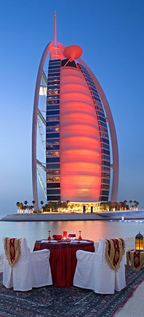 Celebrate Valentine's day in #Dubai ❤ Plan your #Trip to Dubai