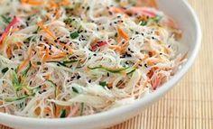 Confira e prepare uma salada de bifum diferente em casa para surpreender a sua família, com muito sabor e poucas calorias!