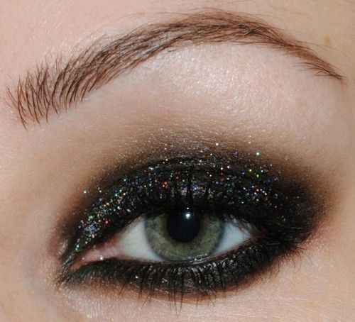 sparkly smokey eye! This is a liitle much but I love it!: Eye Makeup, Dark Eye, Eye Shadows, Black Glitter, Eyemakeup, Eyeshadows, Smokey Eye, Green Eye, Glitter Eye